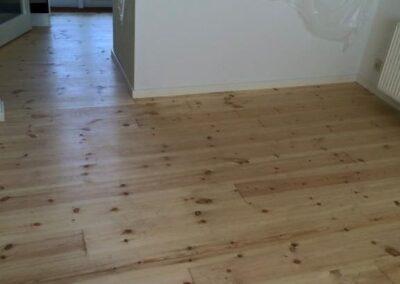Trænger gulvet til en grundig afslibning? kontakt la Cour Byg