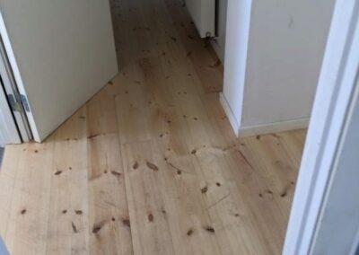 Trænger gulvet til en slibning? kontakt la Cour Byg