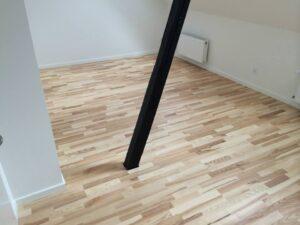 Smukt trægulv kan give rummet nyt liv. la Cour Byg