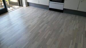 Det nye gulv er klart! la Cour Byg
